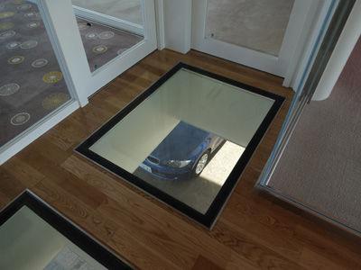 建美ガラス床-1